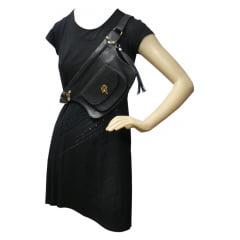 Pochete feminina em couro preto Marquesini