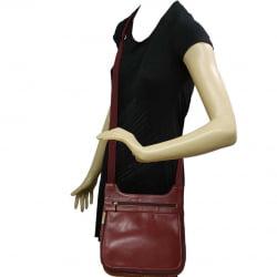 Bolsa transversal feminina em couro Rubi Marselha